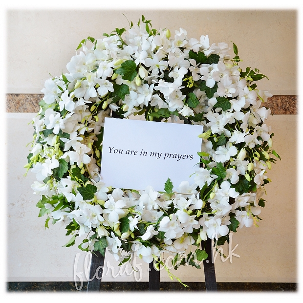 F7	Sympathy Flower Wreath - Flora F